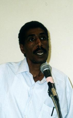 الشاعر: محمد الدنقلي