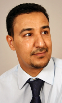 الشاعر عبدالباسط أبوبكر.