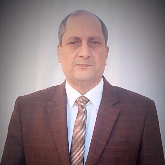 الكاتب مفتاح قناو