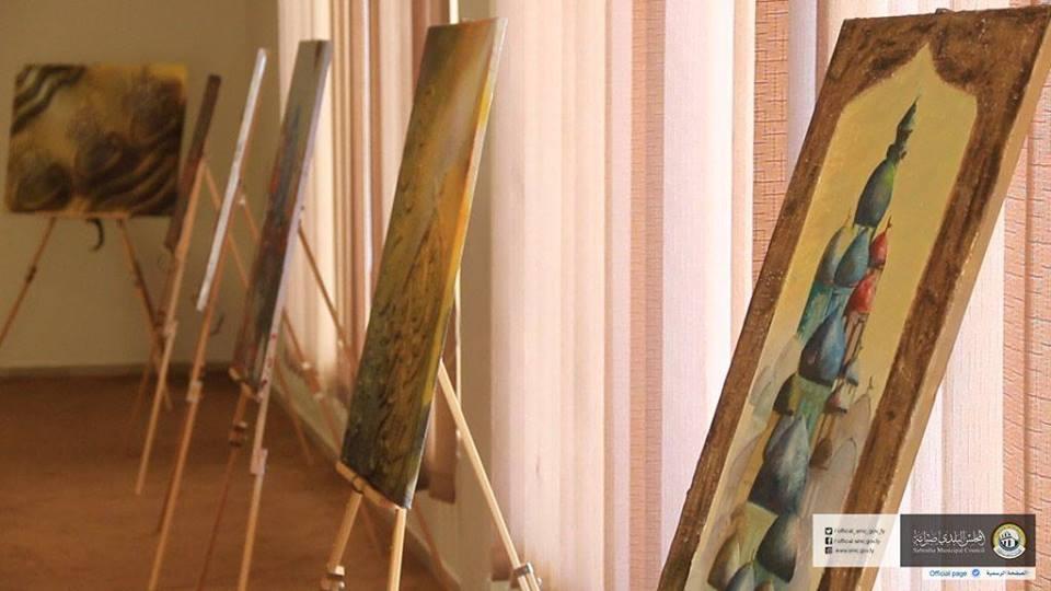 جامعة صبراتة تقيم معرضًا للكتاب واللوحات الفنية والتشكيلية