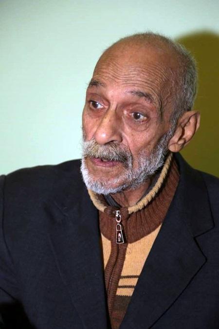 الكاتب يوسف القويري.