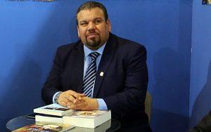 السيد حسن أونيس. رئيس الهينة العامة للثقافة.