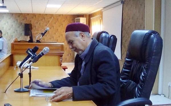 الأستاذ علي الشوماني.