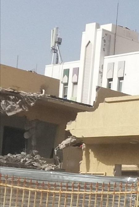 مقر الدار العربية للكتاب يتعرض للهدم.