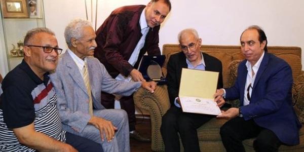 تكريم الإعلامي عبدالفتاح الوسيع.