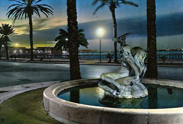 تمثال الغزالة.