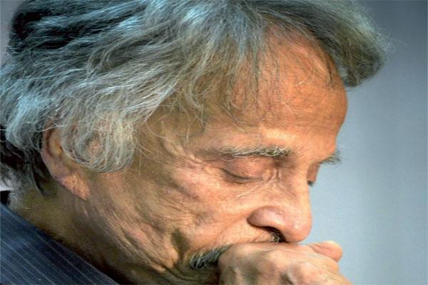 الروائي الكويتي إسماعيل فهد إسماعيل.