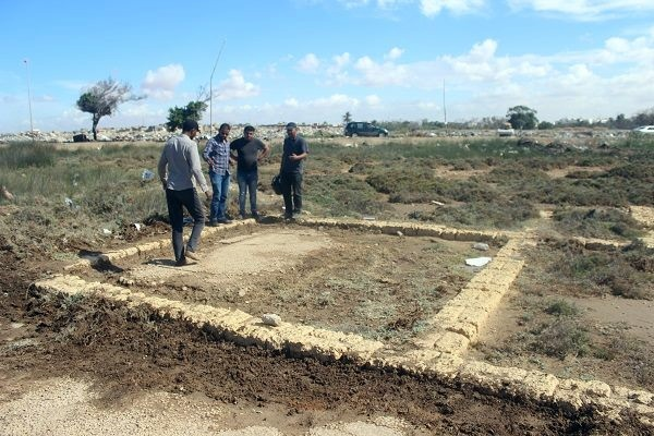 حفريات ميناء مدينة بوسبريدس الأثرية.