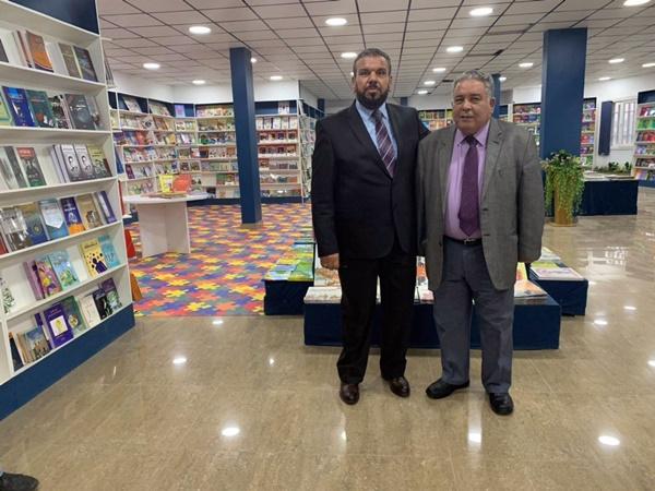 السيدان سالم سعدون وحسن اونيس (الصورة: الهيئة العامة للثقافة).