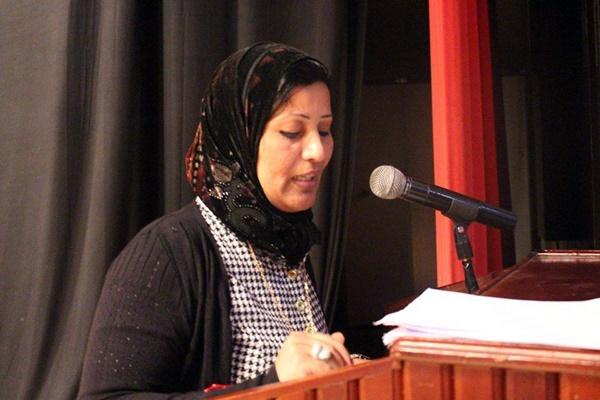 الشاعرة عزة رجب سمهود.