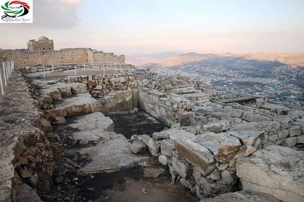 جبل جرزيم (تصوير: زياد جيوسي).