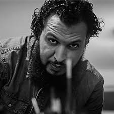 الفنان التشكيلي محمد الخروبي.