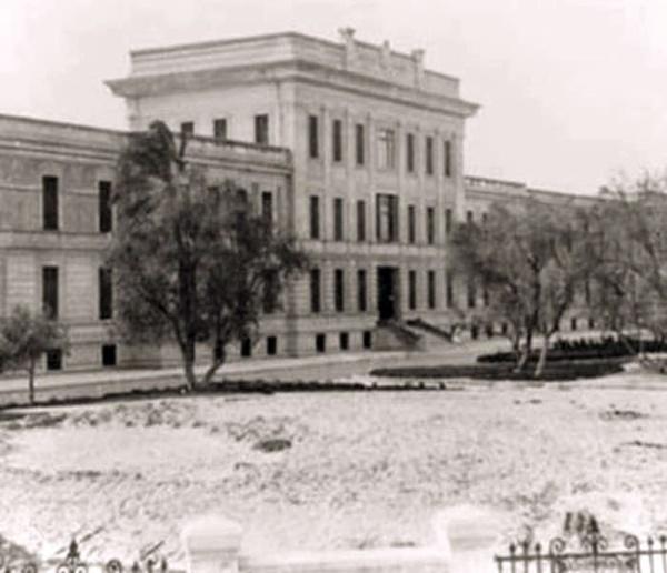الصورة: لقطة نادرة لمستشفي طرابلس ألمركزي التقطت عام 1938م