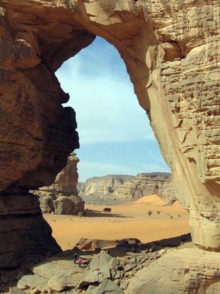 قوس أفازاجار، تادرارت، أكاكوس، ليبيا