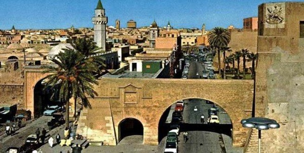 طرابلس، المدينة القديمة - بابا الخندق وباب المشير