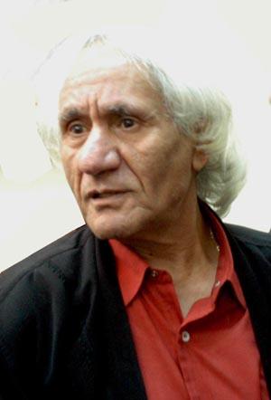 الكاتب الراحل محمد الزوي.