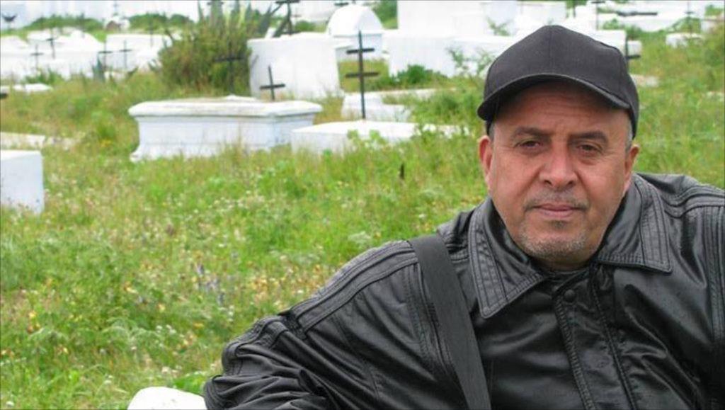 الروائي الليبي محمد الأصفر